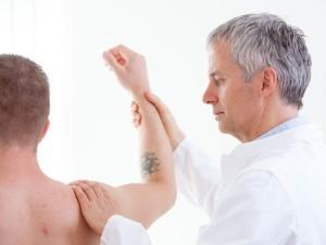 Болит рука от плеча до локтя
