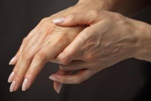 Опухают суставы на пальцах хрустит тазобедренный сустав у грудничка