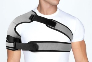 Растяжение связок плеча